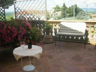 Nice Condo with Short Breaks Allowed and Toaster - Impruneta vacation rentals