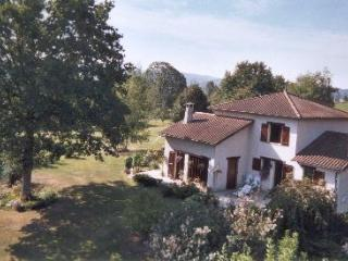 Lovely Villa with Internet Access and Parking - Bessines-sur-Gartempe vacation rentals
