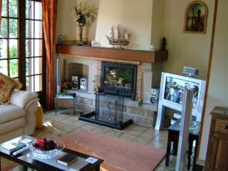 Lovely Villa with Internet Access and Dishwasher - Bessines-sur-Gartempe vacation rentals