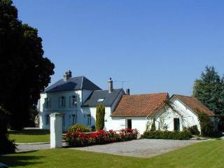 Nice 6 bedroom Manor house in Montreuil-sur-Mer - Montreuil-sur-Mer vacation rentals