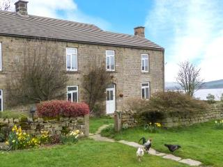 POTT HALL COTTAGE, character holiday cottage, with a garden in Masham, Ref 2190 - Masham vacation rentals