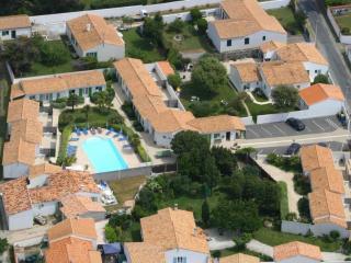 Cozy House in Sainte Marie de Re with Internet Access, sleeps 4 - Sainte Marie de Re vacation rentals