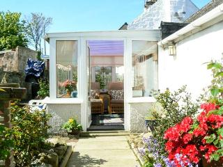 ORTON COTTAGE, pet friendly, with a garden in Lossiemouth, Ref 14012 - Lossiemouth vacation rentals