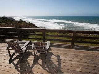 Premier oceanfront home- ocean views, large deck, spa, iPod dock, Plasma TV - Manchester vacation rentals