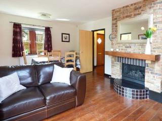 TULIP COTTAGE, cosy cottage with en-suite, games room, balcony, patio, Rothbury Ref 904908 - Rothbury vacation rentals
