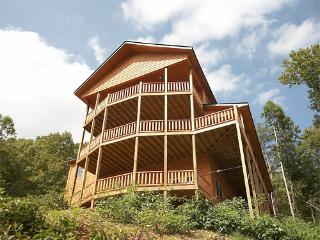 5 bedroom Cabin with Deck in Gatlinburg - Gatlinburg vacation rentals
