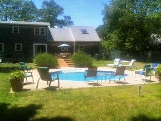 Private in ground pool, AC, 4 large BR, sleeps 10-12, quiet street, pool table - Teaticket vacation rentals