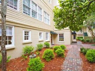 1005: Jones St Garden - Savannah vacation rentals