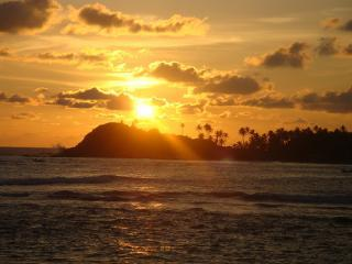 Beautiful sun set from the garden - Galle Henna Beach House, Unawatuna - Rent by Room or Whole Villa - Galle - rentals