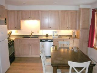 Cozy 2 bedroom Copper Mountain Condo with Fitness Room - Copper Mountain vacation rentals