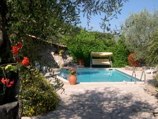 Private Apt. in villa. Heated pool, 20 Mins. Nice - Gattieres vacation rentals
