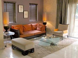 Amishahome  3 Bedrooms Holiday Rental Kuala Lumpur - Wilayah Persekutuan vacation rentals