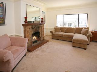 4 Bedroom Vacation Home - Wifi, near Park & Beach - San Francisco vacation rentals