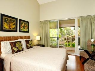 $69/nt Sep/Oct- Stylish Maui Banyan Steps to Beach - Kihei vacation rentals