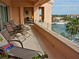 Imagine yourself entertaining in this amazing terrace overlooking the PA marina- - New Marina Penthouse with 45 foot terrace! - Puerto Aventuras - rentals