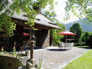 Chalet le Chapeau Bleu Bed and Breakfast - Luchon vacation rentals