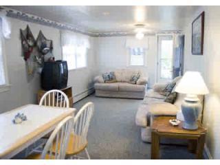 "Living Room - Beach Block-Re""sun"" able Vacation Rental - Wildwood - rentals"