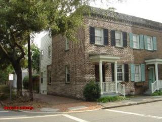 1015: Rustic Savannah Brick Appeal - Savannah vacation rentals