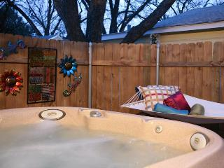 Ella's Haus 2/1 Cottage with Private Hot Tub! Wow! - Fredericksburg vacation rentals