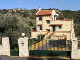 Villa Fouli - stoned villa with swimming pool - Rethymnon vacation rentals