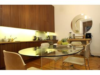 "open plan kitchen - Georgian splendor overlooking ""home of golf"" ! - Edinburgh - rentals"