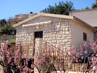 Little stone house Pincul (2+1) - Stomorska, Solta - Stomorska vacation rentals