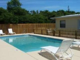 Pool 16x32 Sport Bottom Pool Great for water volleyball - Panama City Beach Summerwind II Private Pool - Panama City Beach - rentals