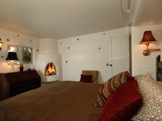 LUXURY MEETS HISTORY FOR  AUTHENTIC SANTA FE - Santa Fe vacation rentals