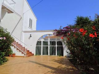 Lovely 1 bedroom Apartment in Es Castell - Es Castell vacation rentals