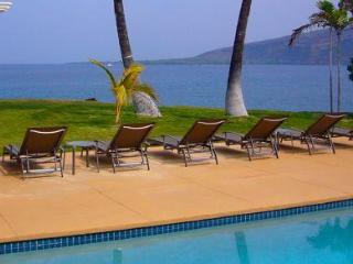 Waterfront Perfection- Sunsets, Dolphins, Pool - Kealakekua vacation rentals