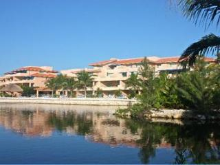 OCEANFRONT MARINA, MAYAN RIVIERA,Feb.14-21/15 ONLY - Puerto Aventuras vacation rentals