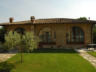 Borgo Mulignone Appartamento n°3 - Pievescola vacation rentals