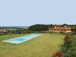 I Cipressi holiday apartment with pool in Tuscany - Livorno vacation rentals