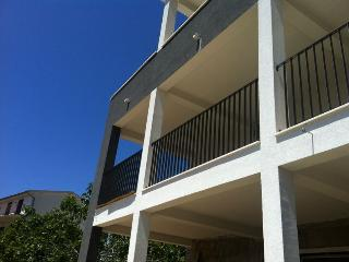Beautiful Condo with Internet Access and Short Breaks Allowed - Primosten vacation rentals