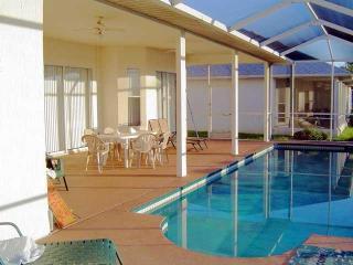 lovely 3 b 2 b home  Huntington Hills Lakeland FL. - Lakeland vacation rentals