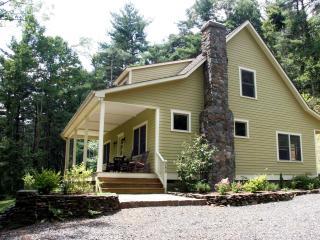 Beautiful Mtn. Farmhouse Near Blue Ridge Parkway - West Jefferson vacation rentals