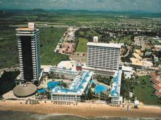 El Cid El Moro Beach Resort, tropical, discount! - Image 1 - Mazatlan - rentals