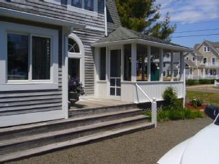 "Clinton The ""Maggie"" Cottage - Image 1 - Clinton - rentals"
