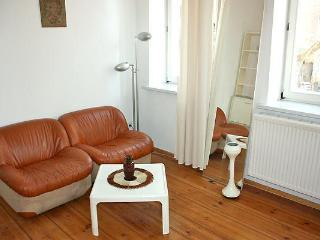K1 Cozy Vacation Rental in Berlin - Berlin vacation rentals