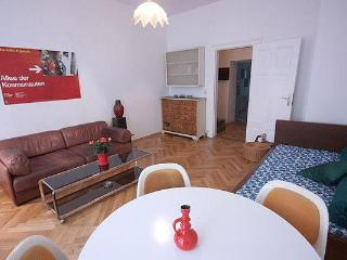 L Cozy Apartment Rental at Mitte in Berlin - Berlin vacation rentals
