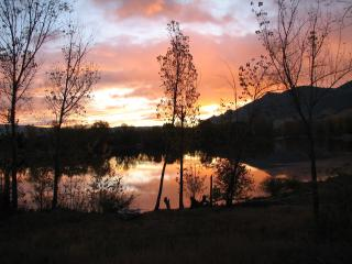 Three Lakes Getaway. Beautiful Lake Front home.. - Wenatchee vacation rentals