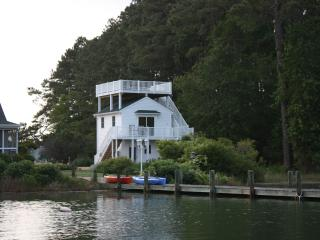 Chesapeake Bay Waterfront Cottage: Pool Pier Wifi - Mathews vacation rentals