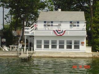 Lake Cottages Don't Get Any Better ~ New Updates! - Plainwell vacation rentals
