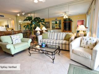 Sterling Sands - Deluxe Unit - Free Beach Service - Destin vacation rentals