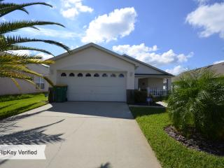 The Mouse House Florida, Rental includes a Pool and in Excellent Location - Kissimmee vacation rentals