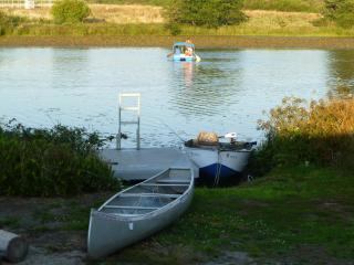 Lake Front,Canoe,Fishing&Pedal Boat,sauna,pool tbl - Seaside vacation rentals