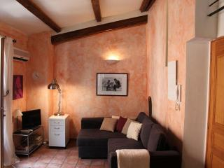 Studio 9 - in the heart of the Old Town of Nice - Nice vacation rentals
