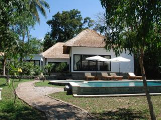 Villa of your dream at the coral reef / Diving - Lovina vacation rentals