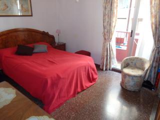 Summer flat WiFi Blasco Ibañez area - Valencia vacation rentals