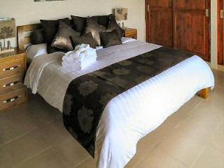 Luxury villa with sweeping ocean views near Lovina - Lovina vacation rentals